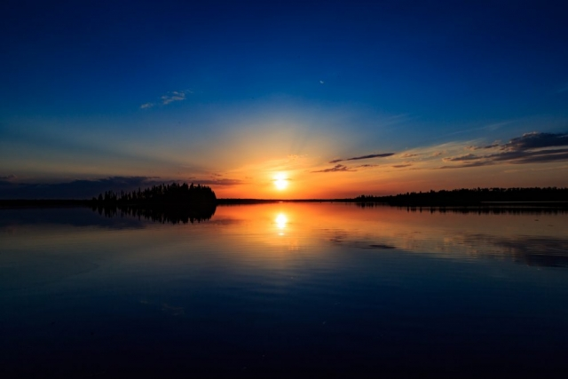 Sunset on Astotin Lake - Elk Island National Park, Alberta  - Tracey Sawatzky, Adventure Photographer